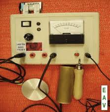 Apparecchiatura EAV (Elettro Agopuntura secondo Voll) per la biorisonanza